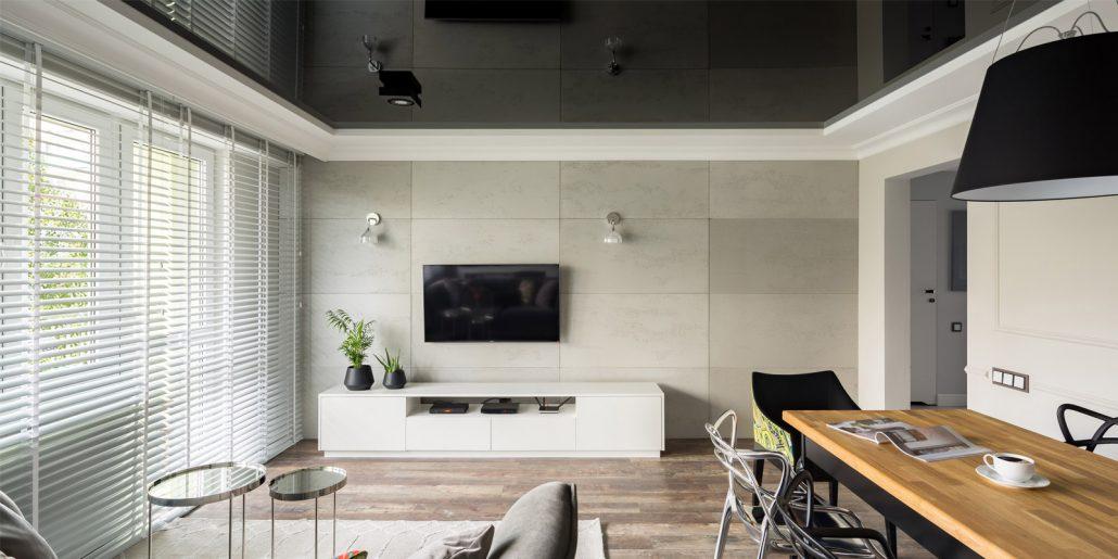 Wohnzimmer mit schwarzer Lackspanndecke hochglänzend