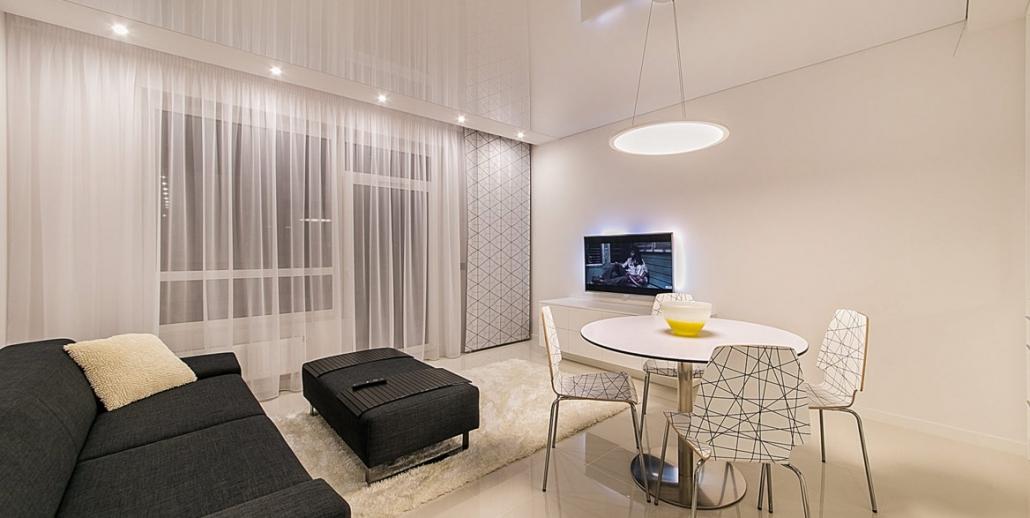 Gästezimmer mit hochglanz Lackspanndecke