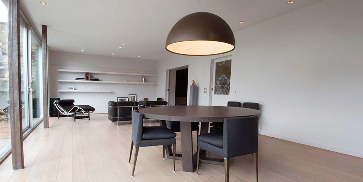 Wohnzimmer und Essraum mit Spanndecke weiss matt